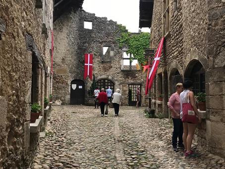 La cité médiévale de Pérouges, dans l'Ain (01), par Elodie Moro