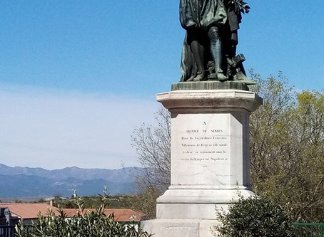 La statue d'Olivier de Serres, à Villeneuve-de-Berg, en Ardèche (07), par Odette Balandraud