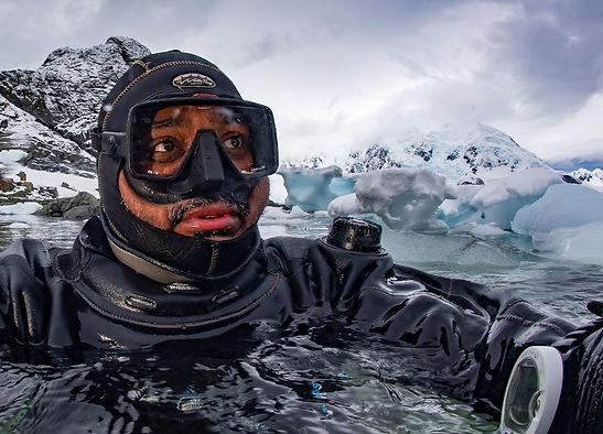 selfie antarctica_DHR9389.jpg