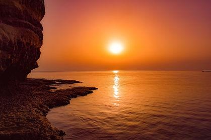 sunset-3236048_1920.jpg