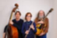 BLUE KI PROJECT en TRIO: Hervé CZAK à la contrebasse, Valérie WALTER à la flûte traversière et au chant, Christophe BINARD à la guitare