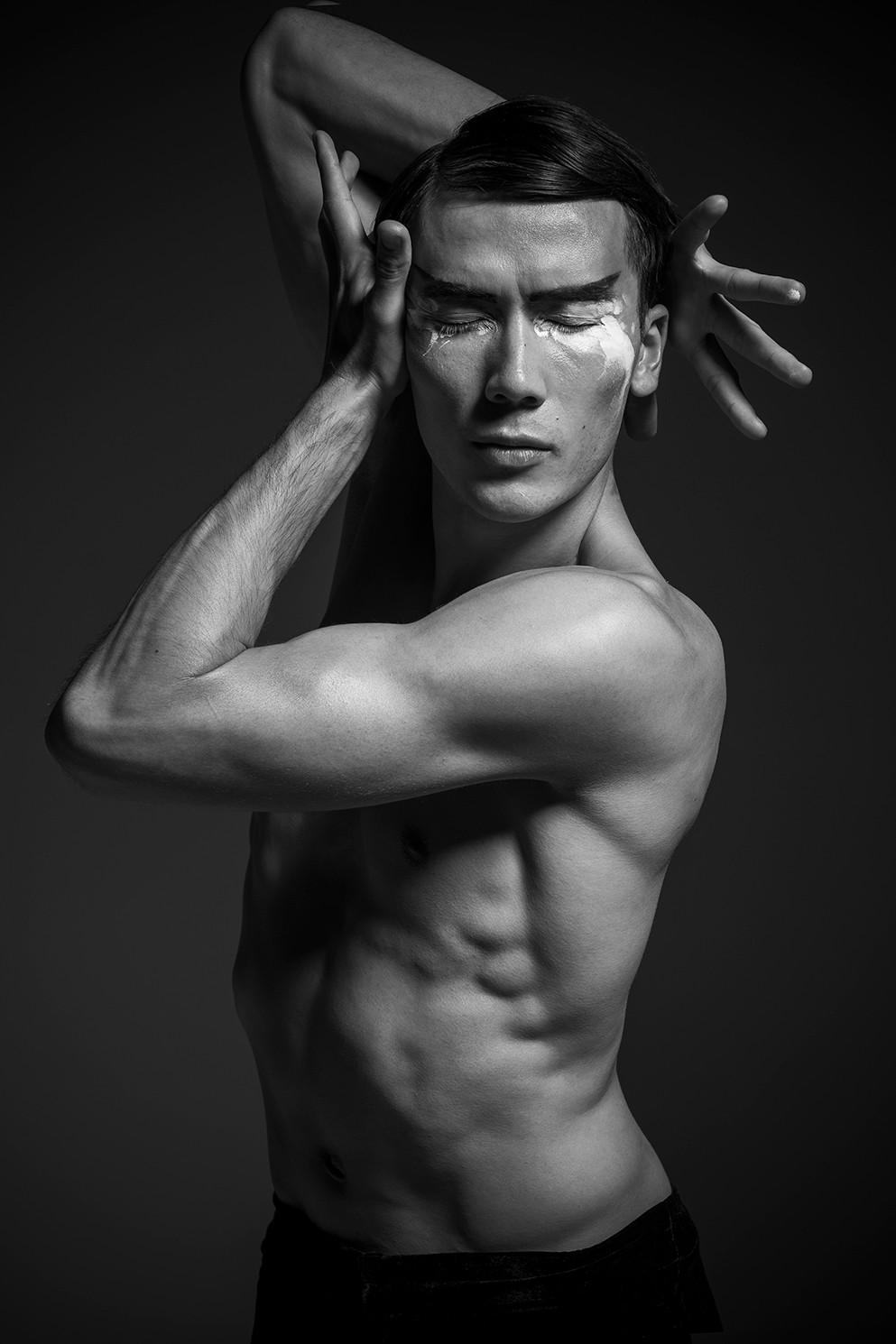 James Pett   Contemporary dancer