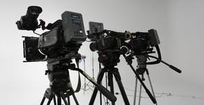 Paga con ONE $50 USD para el Magnus VT-4000 Video Trípode Profesional para video y foto