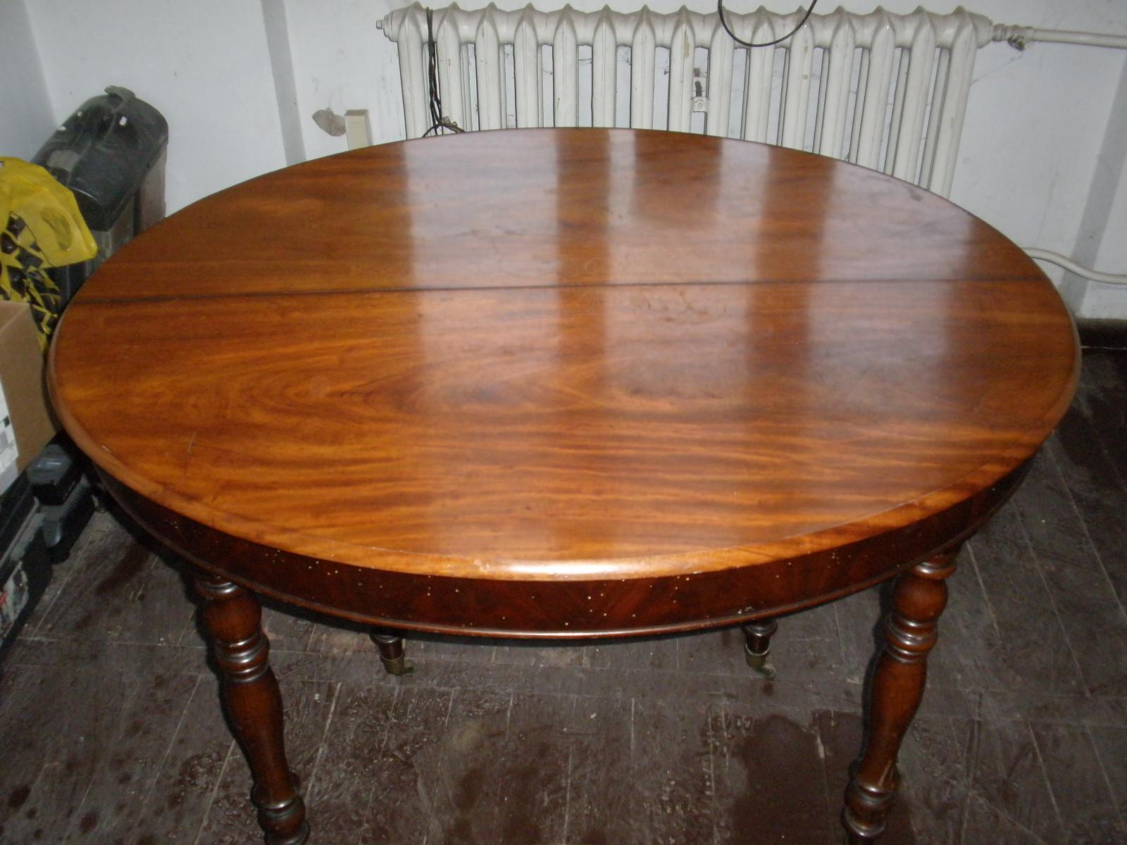 Stół bidermayer.