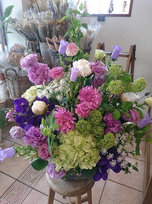 季節の花のアレンジメントおまかせ 15,000円
