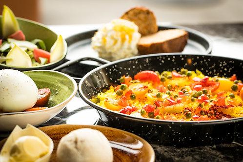 Burrata,Paella, Carrotcake (V)