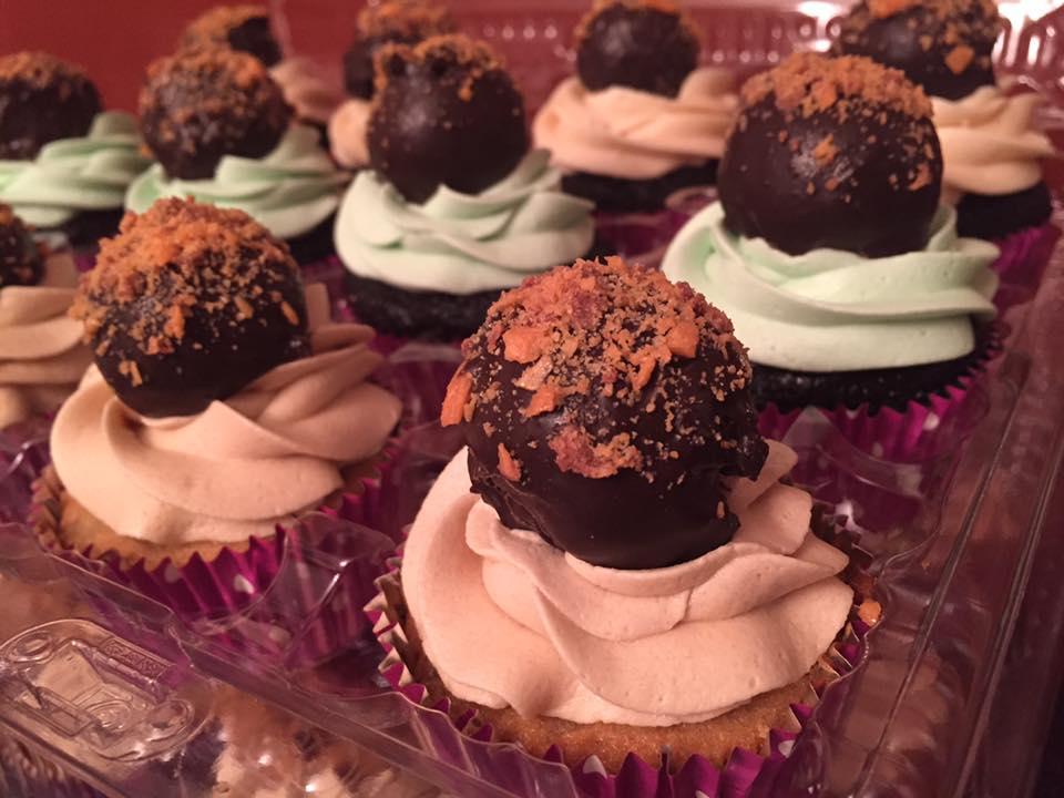 Butterfinger Cake Ball Cupcakes
