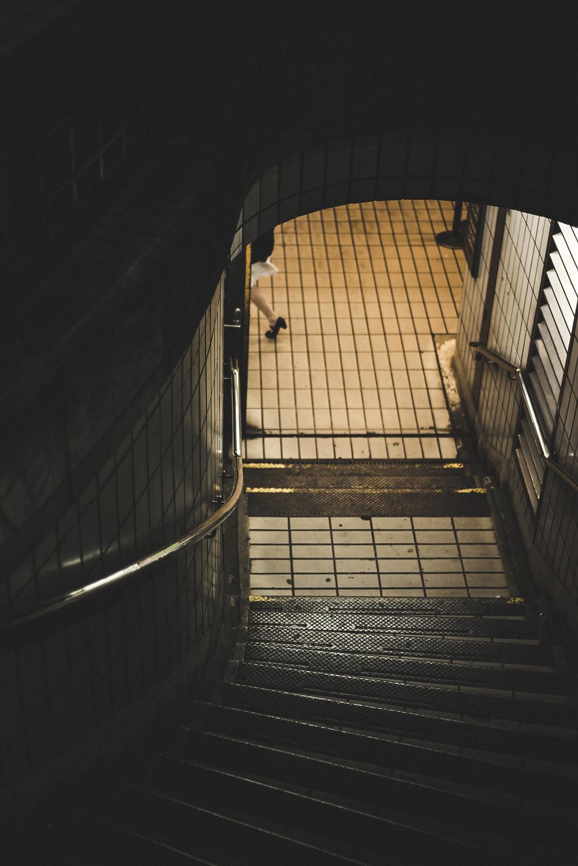 סיור סודי מתחת לאדמה בתחנה המרכזית החדשה play with lilach