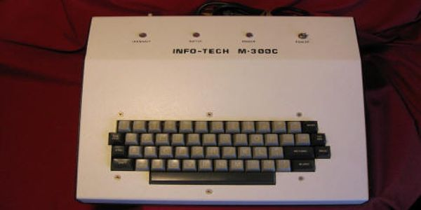 COLLECTOR ITEM INFO-TECH M-300C KEYBOARD