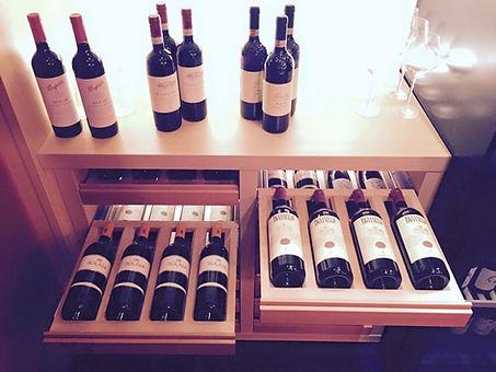 Erlesene Weinauswahl in der Lions Kitchen Muenchen