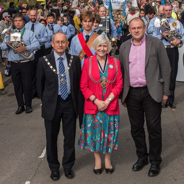 The Mayor opens the Festival