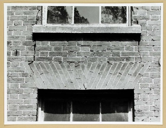 3 Window Architrave S Front.jpg