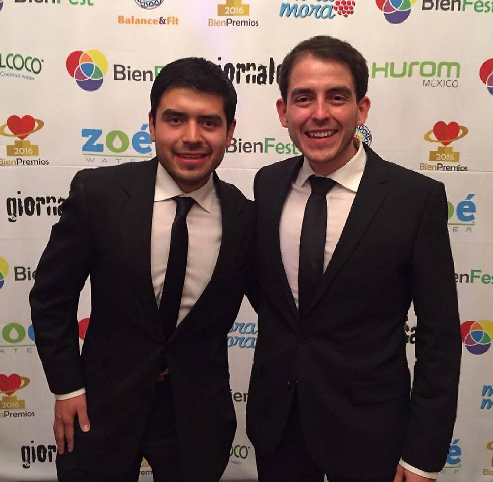 Ade y Uri Alvarado, creadores de los Bien Premios