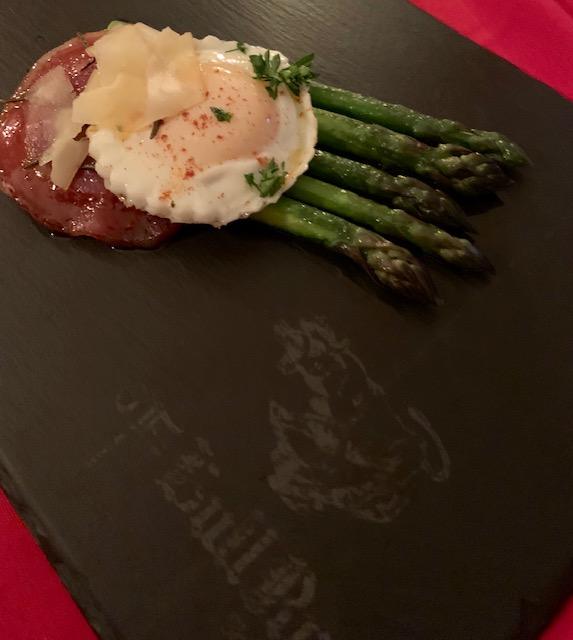 Asparagus egg appetizer
