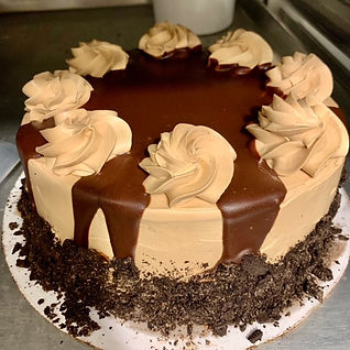 Choc & vanilla cake denyse 2020.JPG