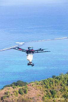 Drone survolant Tahiti