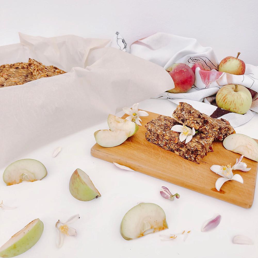 apple granola bars | www.martinazand.com