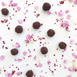 Chocolate raspberry energy balls