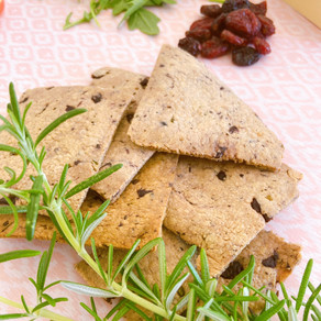 Oat crackers with rosemary and olives