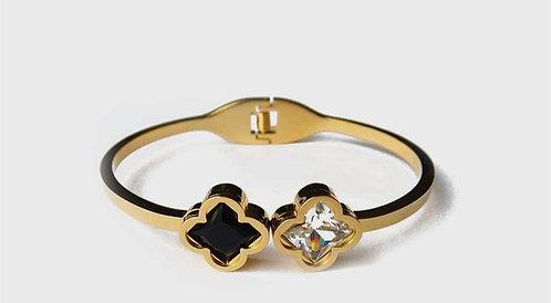 Black & White Clover detailed Gold plated bracelet