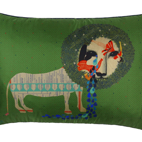 The Lion in Love Silk cushion
