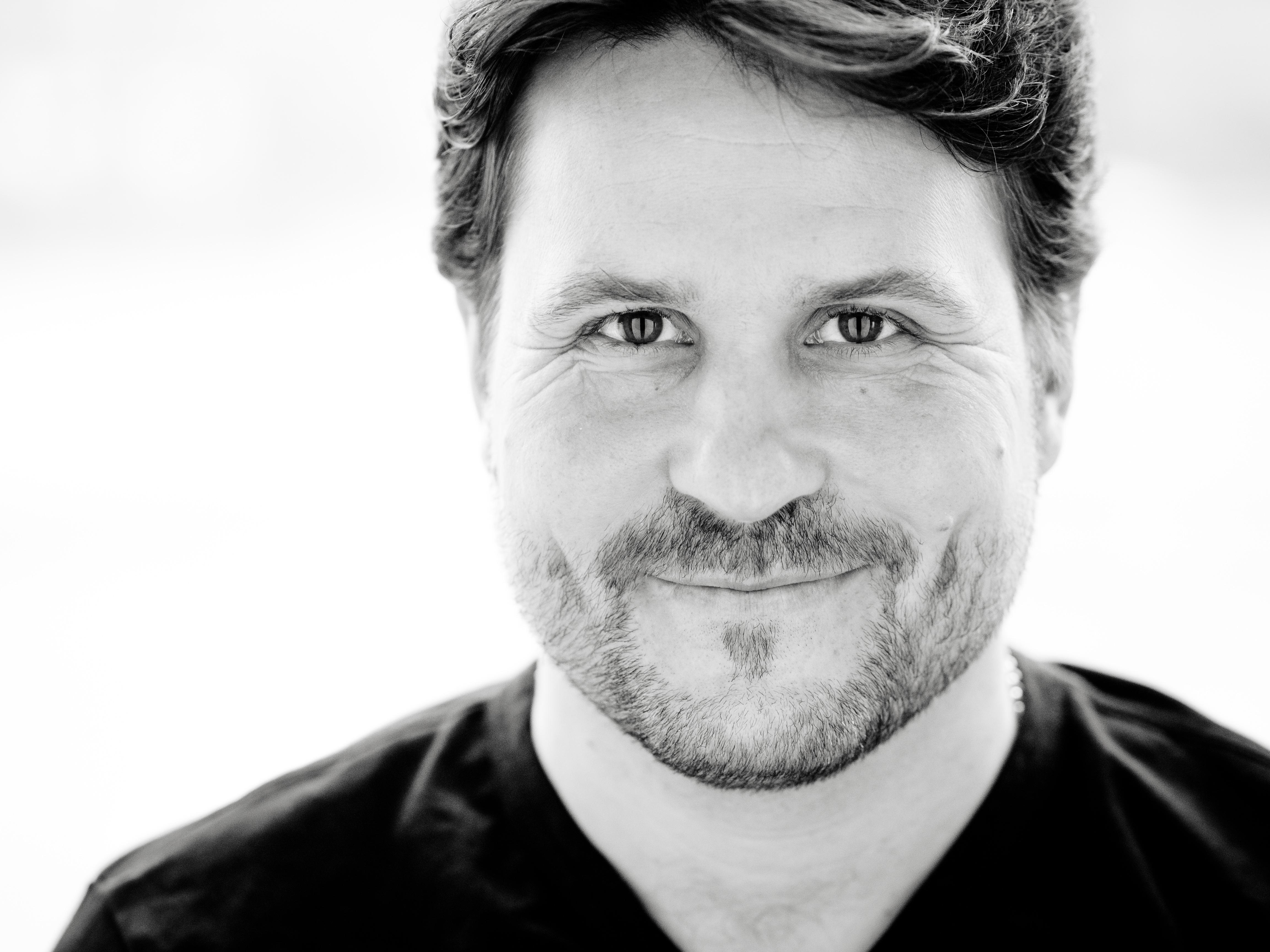 Daniel Szeili/Tenor