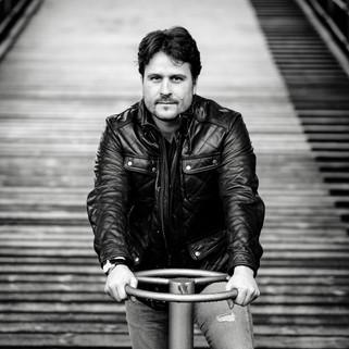 Portrait/Daniel Szeili