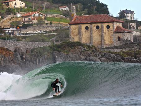 Escapadas con tu mini caravana a las mejores playas de surf de España