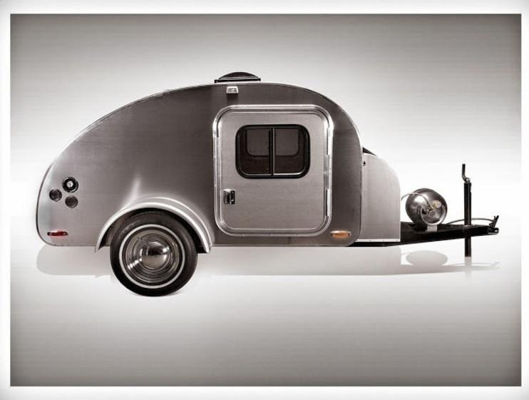 mini caravana recubierta de aluminio