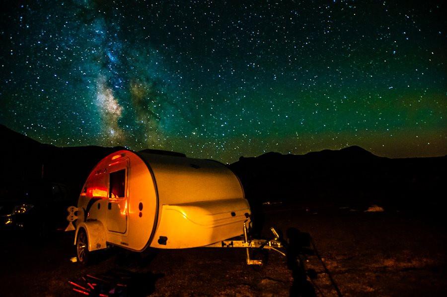 Mini Caravana de noche