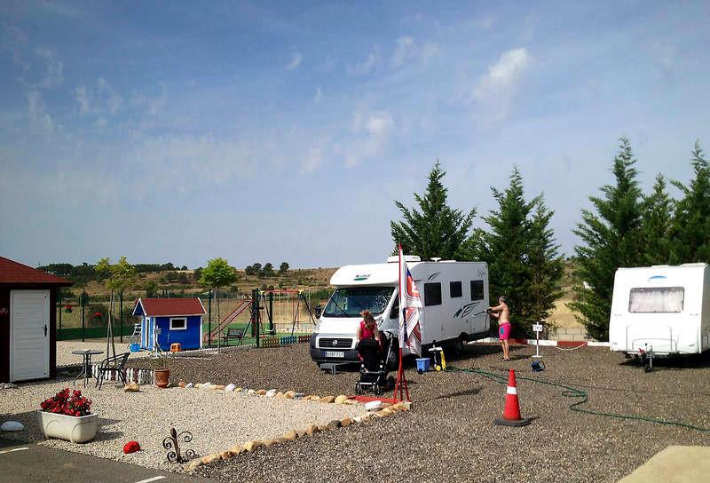 Áreas privadas de estacionamiento de autocaravanas mini caravanas españa