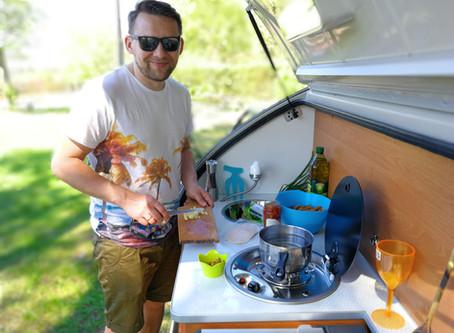 El placer de cocinar en una Minicaravana