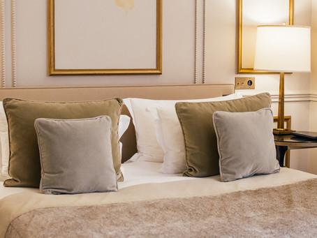 Expérimenter le luxe parisien au Narcisse Blanc