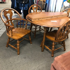dining table with 4 wood chairs and extension