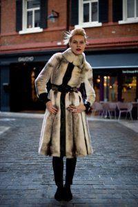 Модный норковый полушубок с капюшоном Греция Италия Россия