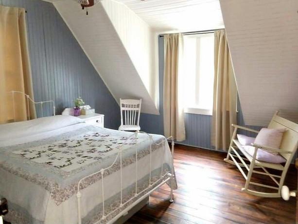 Geust Bedroom 1