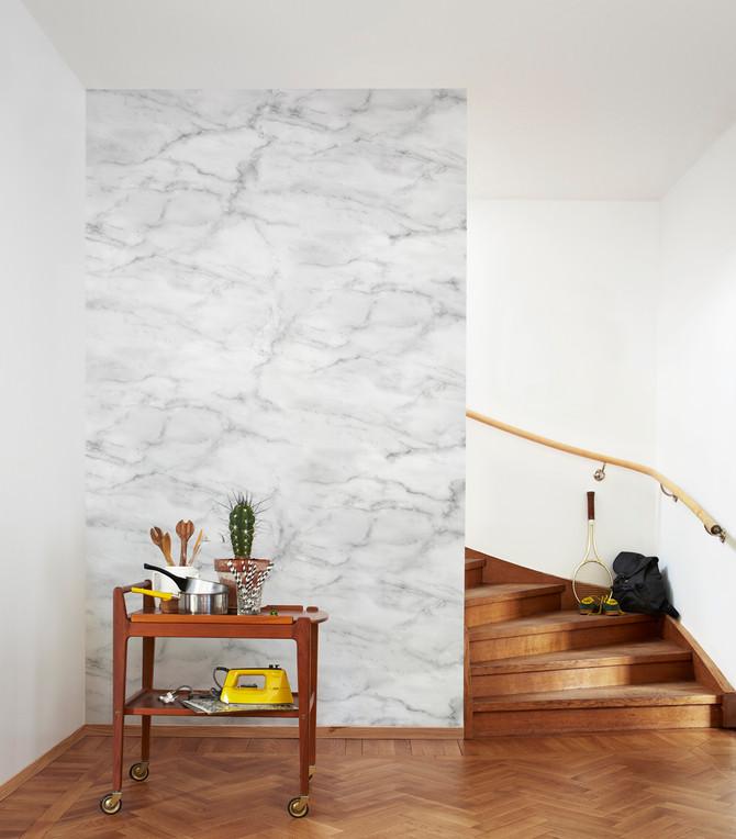 Papel de parede imitando pedra e madeira