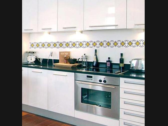 Cozinha e banheiro de cara nova: use adesivos