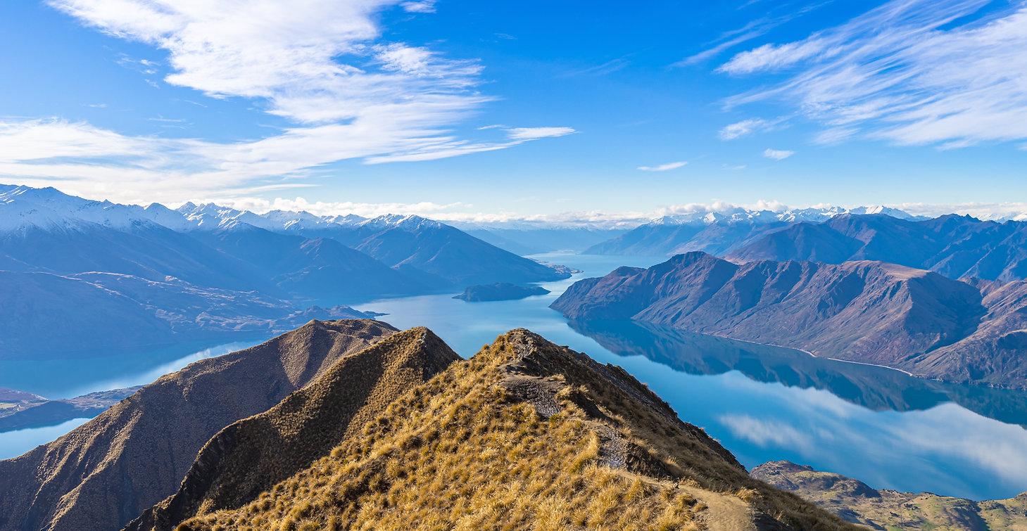 Roy's Peak Mountain Lake Wanaka New Zealand Panorama.jpg
