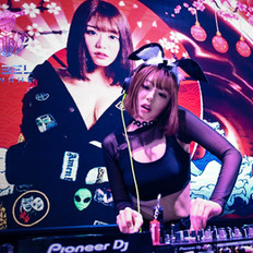 浜崎真緒 Mao Hamasaki DJing