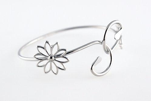 Petite Daisy Bracelet