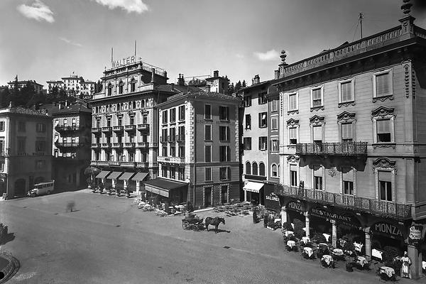 02531-L(088) Piazza Rezzzonico Lugano-2.