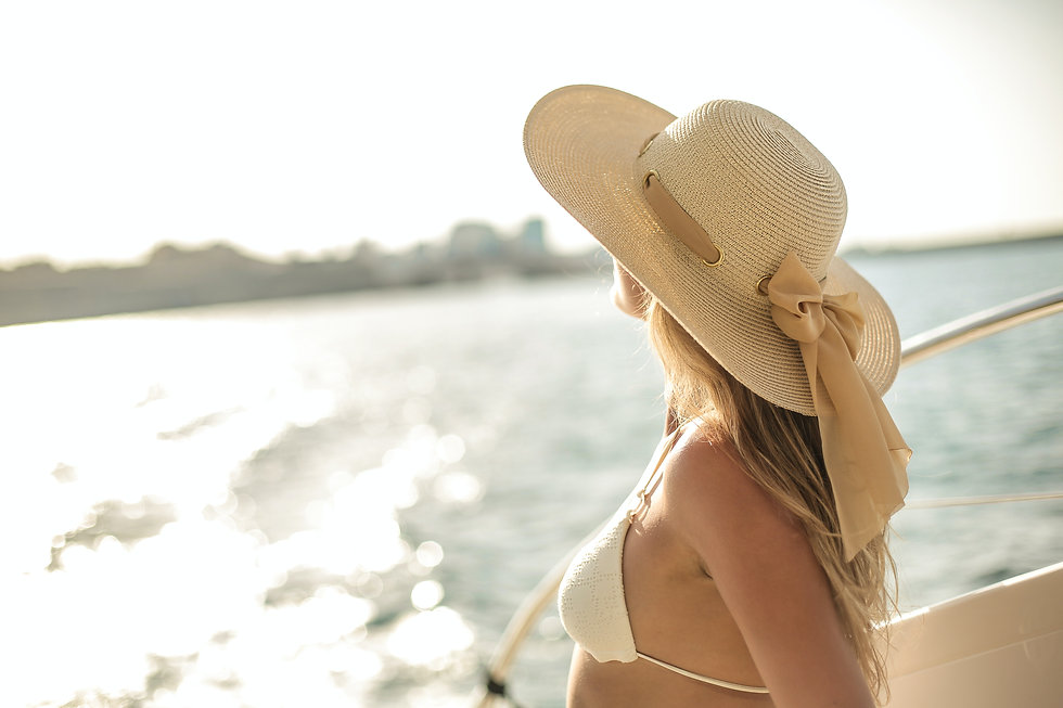 tender-traveling-woman-on-board-of-saili