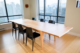 modern expanding dining table that is a perfect fit for the contemporary home