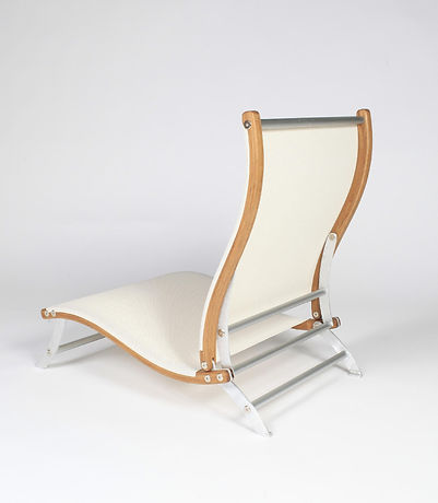 th best designs shown at icff are here. thsi modern beach chair by romeny shipway is the best designed beach chair and is a tribute to luxury design in the modern word