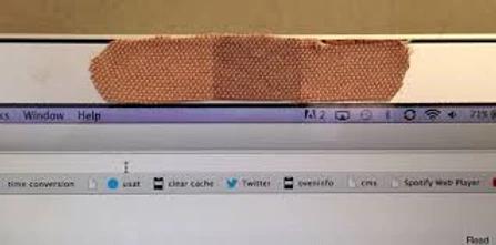 Πιο ασφαλή κομπιούτερ με καλυμμένες τις κάμερες, λέει το FBI
