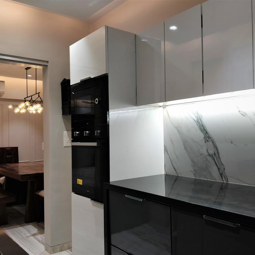 Luxerior Vile Parle Project Kitchen (5).