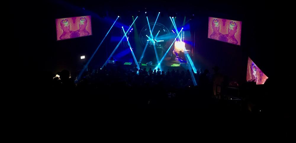 Shpongle (Simon Posford Live) entrancing the crowd