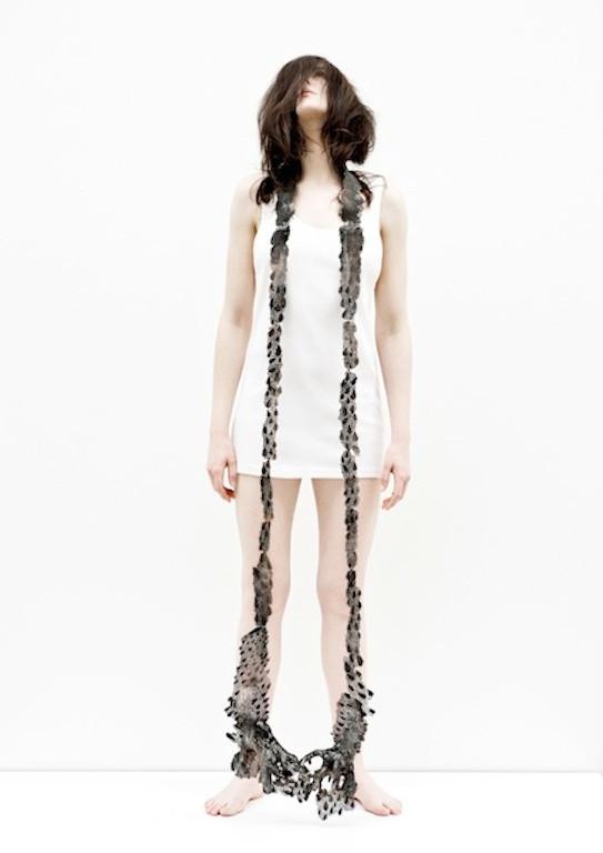 Collana lunga grigia Hanna Hedman