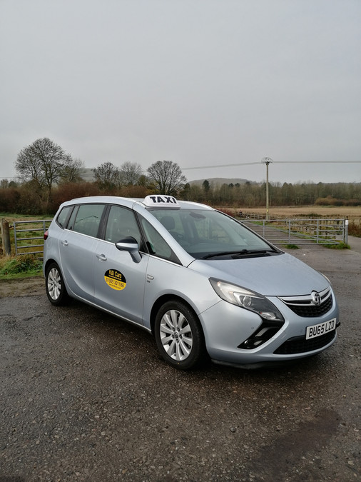 Our MPV perfect for Airport Transfers